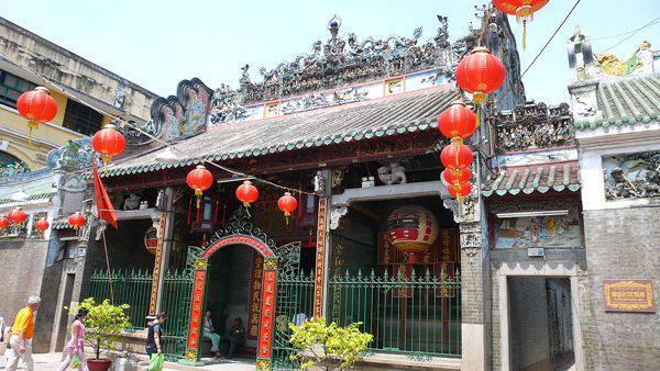 Phong thủy nhà ở gần chùa