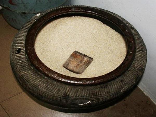 Hũ gạo phong thủy - Vật phẩm phong thủy hút tài lộc