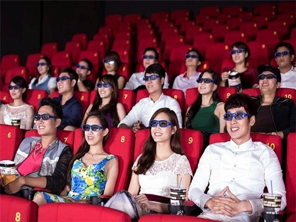 Nằm mơ thấy xem phim là điềm gì?