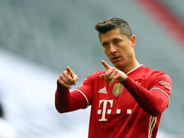 Tin bóng đá trưa 4/5: Zahavi yêu cầu Bayern nâng lương cho Lewy